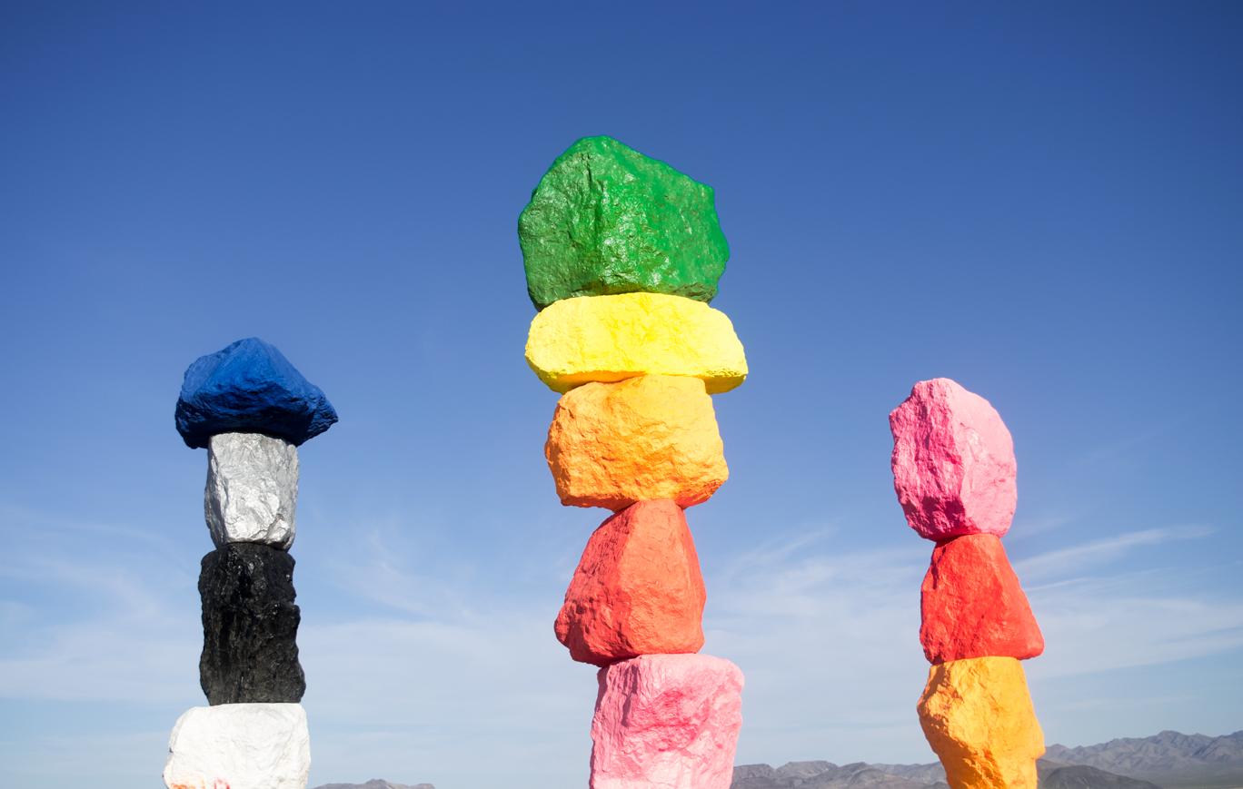 BLACK STRAW HAT IN NEVADA