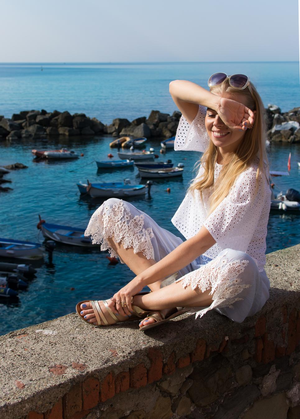 Olga Pancenko_aestheticallypleasing_ITALIAN RIVIERA IN WHITES, LINEN & LACE